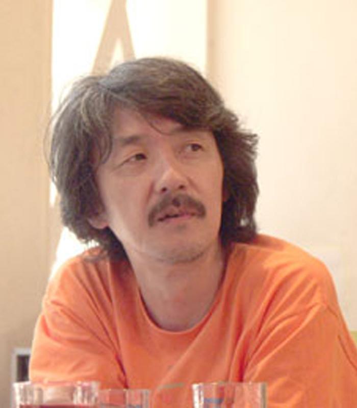 井上 鑑 氏