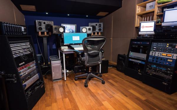 TRIUMPH SENDAGAYA RECORDING STUDIO